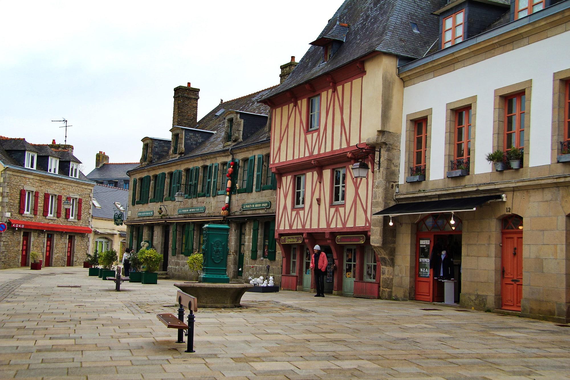 Concarneau Place Centrale Ville Close