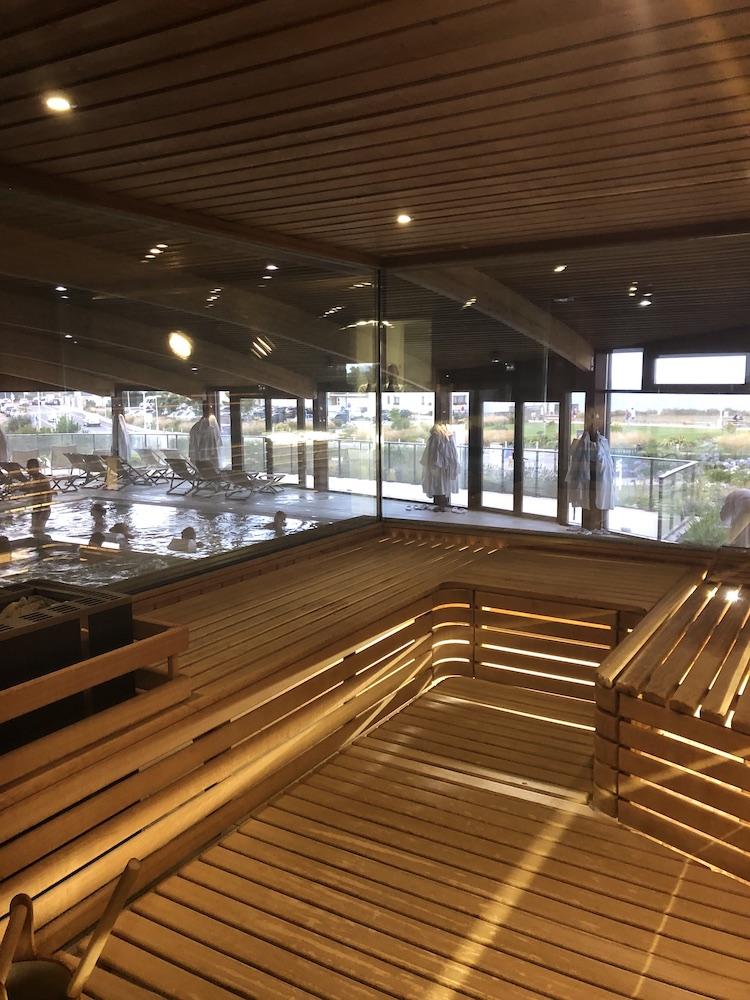 lee sauna avec vue mer
