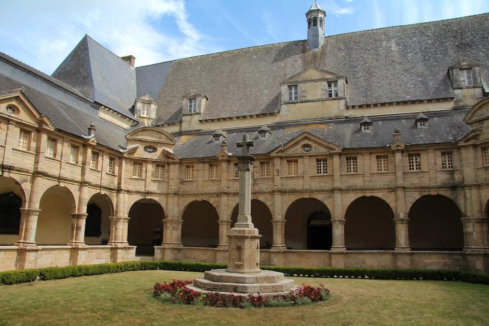 Le cloitre de Sainte Anne d'Auray