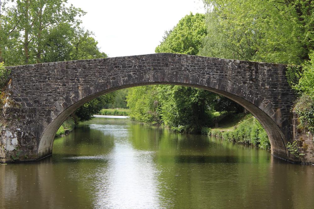 le vieux pont en pierre de Léhon