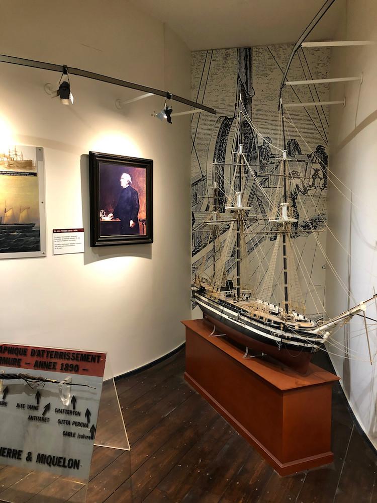 Salle sur les câbles sous-marin